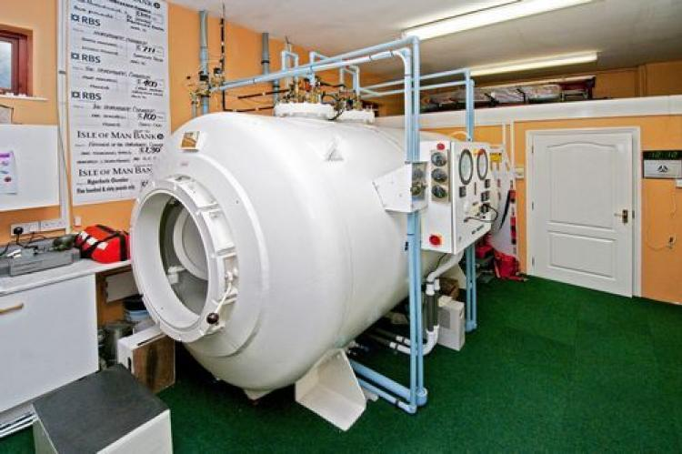 Service suspended at the Isle of Man Hyperbaric Chamber | X-Ray Mag