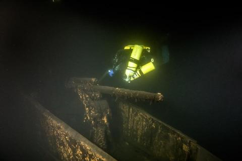 Immi Wallin, UMEX, Underwater Exploration Team, Russian submarine, Sch-317, Rosemary E Lunn, Roz Lunn, X-Ray Mag, XRay Magazine, wreck hunting, wreck diving news