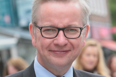 UK Environment Secretary, Michael Gove, microbeads, plastic pollution, X-Ray Mag, XRay Magazine, Rosemary E Lunn, Roz Lunn, The Marine Conservation Society, plastic bag use